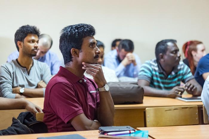 Специалисты из Шри-Ланки учатся конструировать наноспутники в Самарском университете