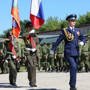 Студенты технических и гуманитарных специальностей получили звания рядовых и сержантов
