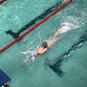 Пловцы области отметили День студенчества в бассейне