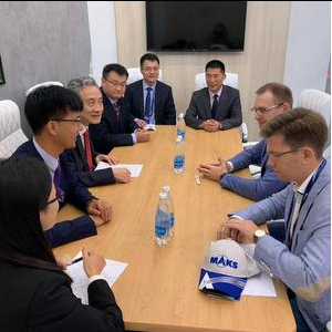 Vladimir Bogatyrev and Wang Jinsong Discussed Cooperation Options at MAKS-2019