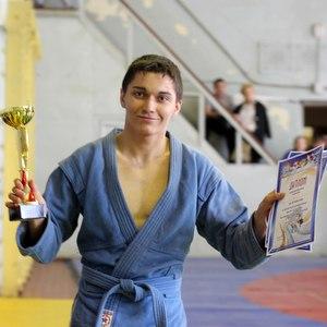 В СГАУ состоялись соревнования по плаванию, самбо, шахматам и волейболу
