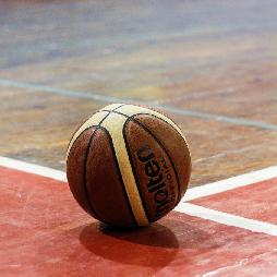 Баскетболистки вступили в борьбу за выход в финал дивизиона