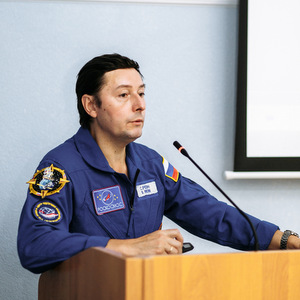 Герой России, летчик-космонавт Сергей Ревин встретился со студентами