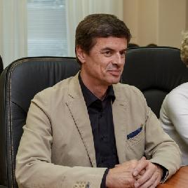 """В университете обсудили создание центра по ремонту авиадвигателей в аэропорту """"Курумоч"""""""