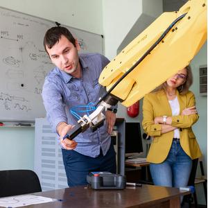 Университет, Академия наук и правительство региона формируют концепцию развития базовых школ РАН