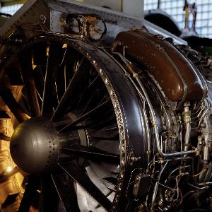 33 года назад впервые поднялся в небо первый в мире самолет на криогенном топливе
