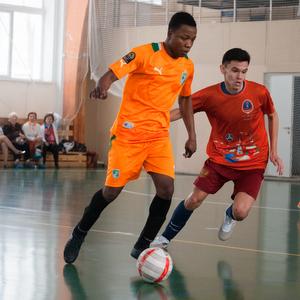 Самарские волонтеры провели турнир по мини-футболу за 100 дней до Кубка Конфедераций