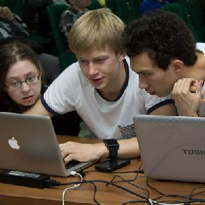 «Хакатон» проверил практические навыки будущих программистов