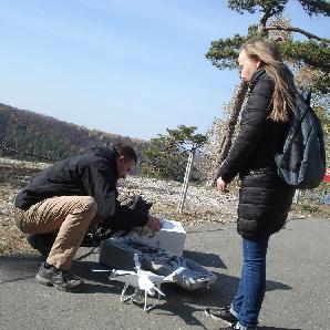 Инженеры помогают оценить ущерб, который наносят заповеднику посетители