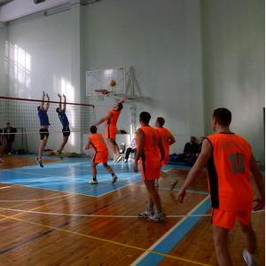 Волейболисты почтили память Юрия Богулева