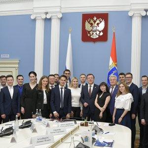 Студенты университета приняли участие во встрече с Дмитрием Азаровым