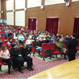 Школьников Туркменистана подготовили к ЕГЭ по физике