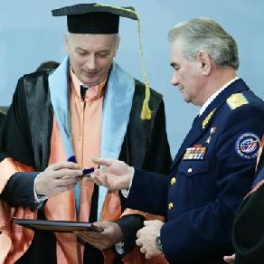 Космонавт Василий Циблиев - почётный выпускник КуАИ-СГАУ