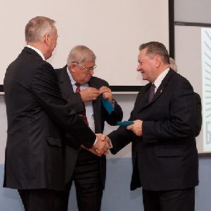 Вручены удостоверения «Почётный работник КуАИ-СГАУ»