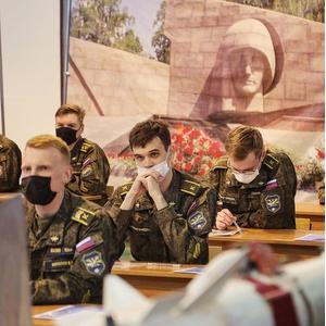 Написали диктант Победы