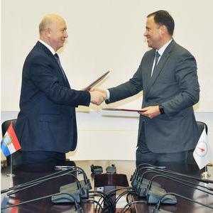 """Подписано соглашение о сотрудничестве Самарской области и """"Роскосмоса"""""""