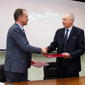 Университет заключил соглашение с крупнейшей базой данных мира ProQuest Dissertations & Theses