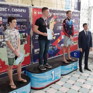 Шесть медалей получили пловцы университета