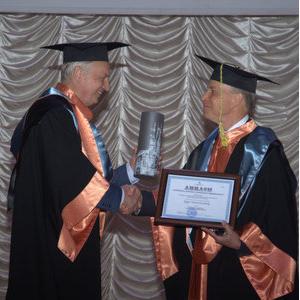 Нобелевский лауреат Роджер Корнберг стал почетным доктором Самарского университета