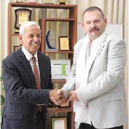 Владимир Павельев встретился с индийскими учеными в Университете Шулини