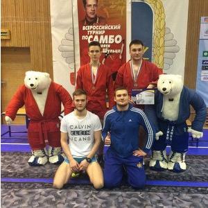 Две медали привезли самбисты из Москвы
